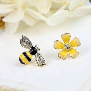 NWT Bumble Bee & Flower Asymmetrical Post Earrings